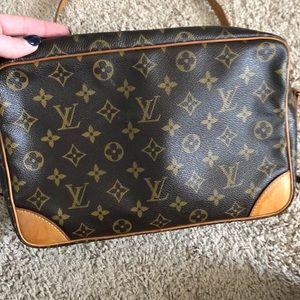 Louis Vuitton Bags - Louis Vuitton Trocadero Large Messenger Bag